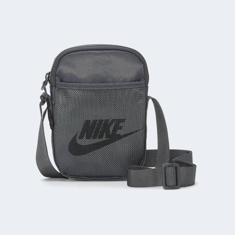 Nike Crossbody Bag (Small)
